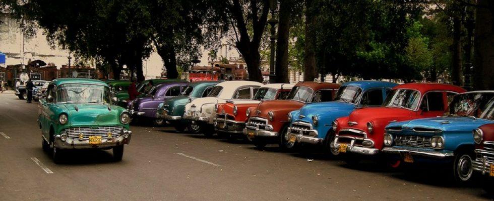 Clic American Cars In Cuba