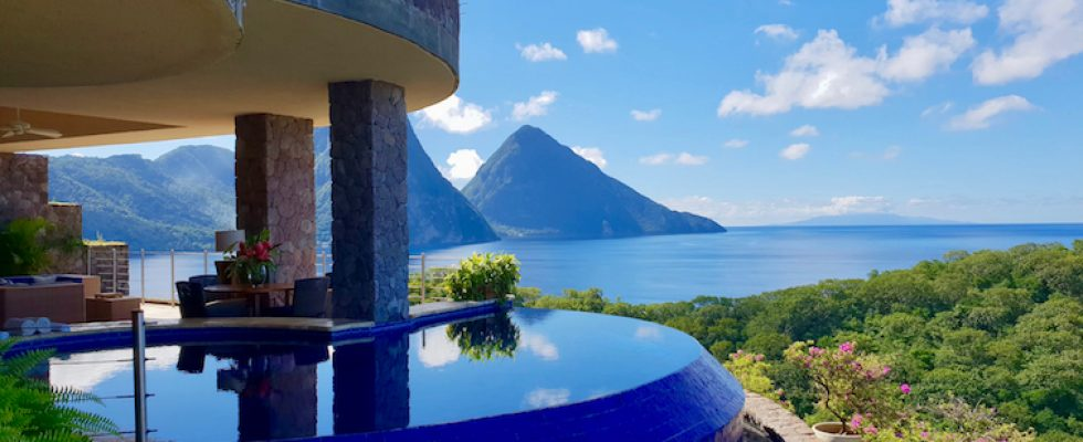Hotel Review: Jade Mountain Resort St Lucia Is
