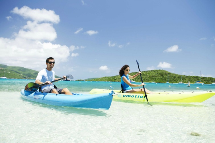 British Virgin Islands: Couple Kayaking