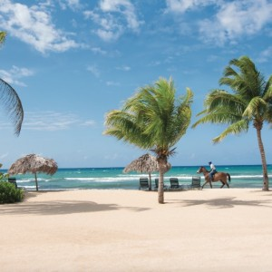 Jamaica: Half Moon Beach
