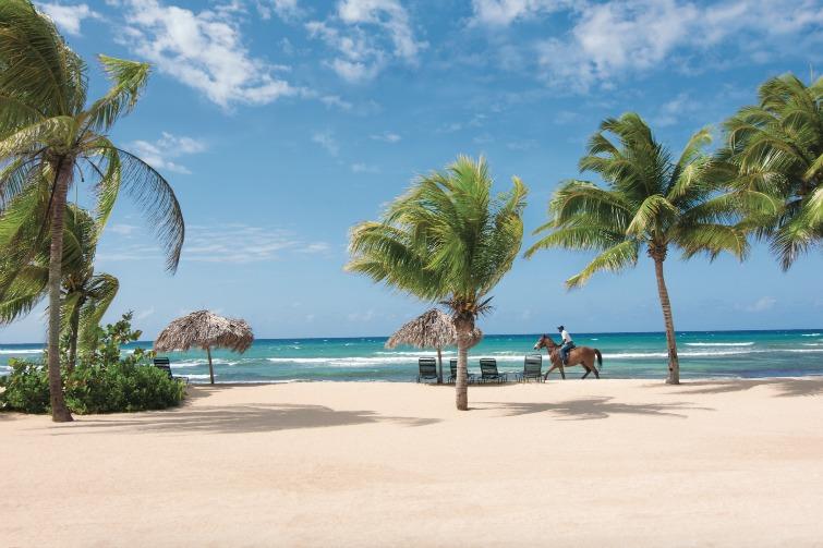 Jamaica: Half Moon Beach