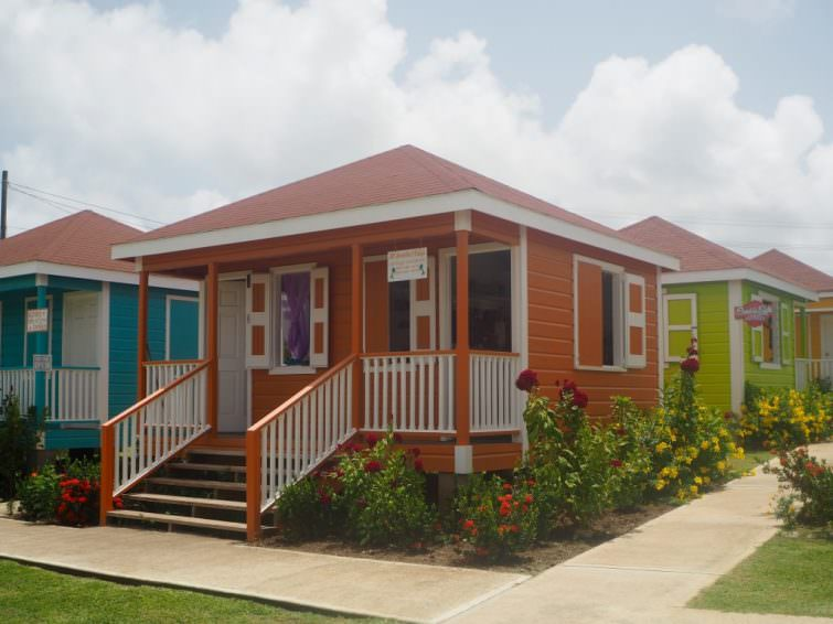 Nevis: Artisan Village Craft House chattel houses