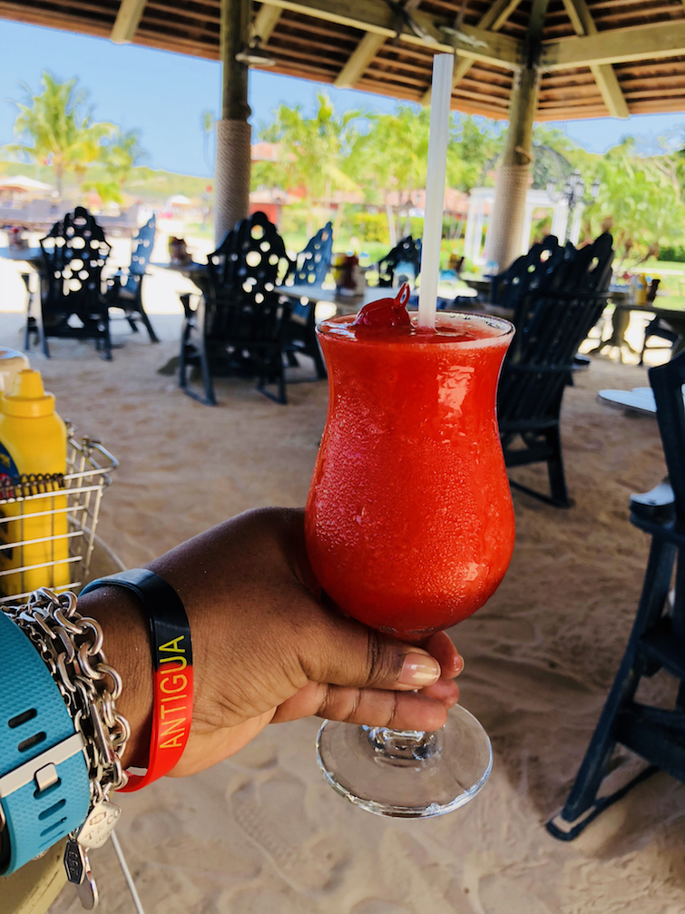 Sandals Grande Antigua Resort & Spa: Frozen strawberry daiquiri at Barefoot By the Sea Restaurant.
