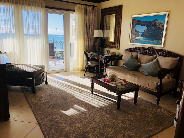 Sandals Grande Antigua Resort & Spa: Mediterranean Oceanview Village - Butler one Bedroom suite living room.