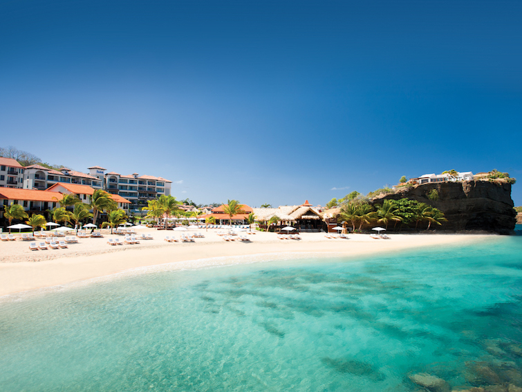 Grenada Hotel - Sandals LaSource Grenada Beach. Photo Credit: © Sandals Resorts.