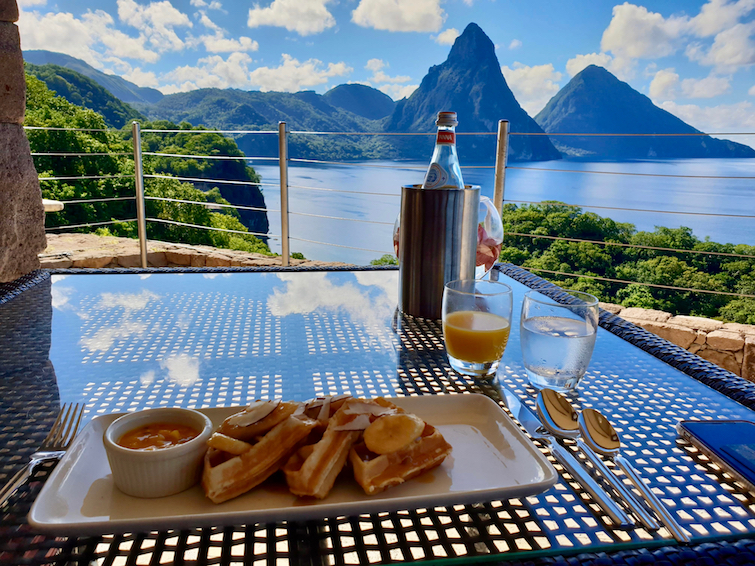 Jade Mountain Resort St Lucia: French toast and orange juice breakfast from Jade Mountain Club.