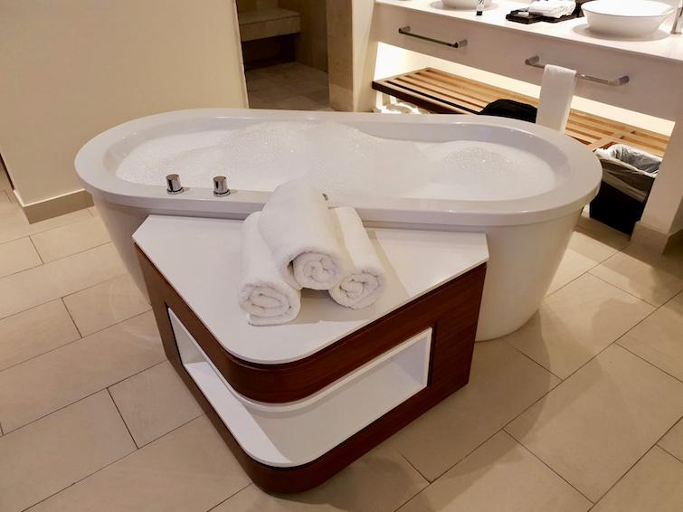 Whirlpool tub in Diamond Club room 8401 at Royalton Saint Lucia.