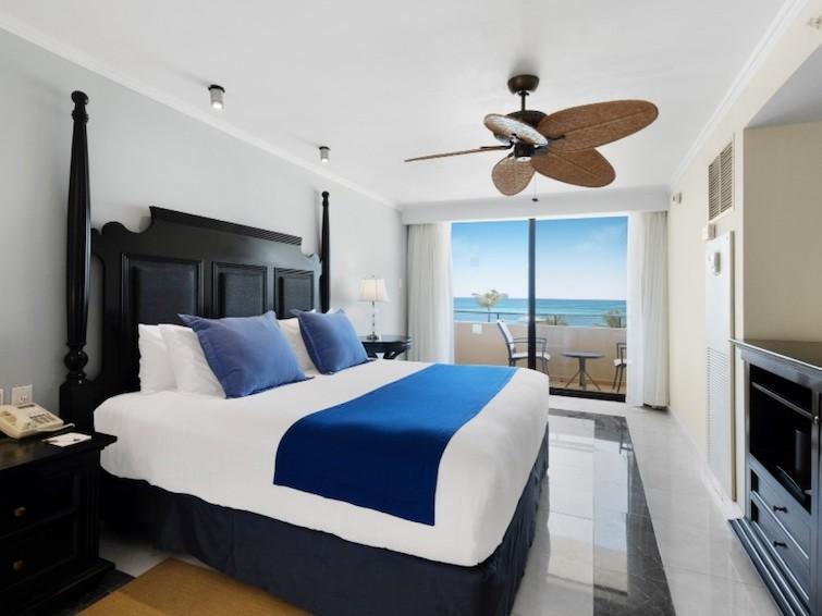 One of the rooms at Barcelo Aruba. Photo Credit: © Barcelo Aruba.